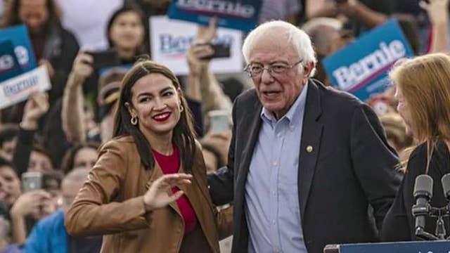 Are Democratic voters taking a second look at Bernie Sanders' presidential campaign?