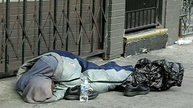 De Blasio pins homeless crisis on Trump, requests federal aid