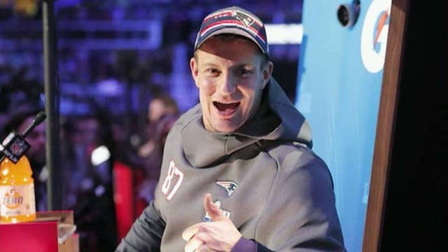Rob Gronkowski to co-host FOX's New Year's Eve special