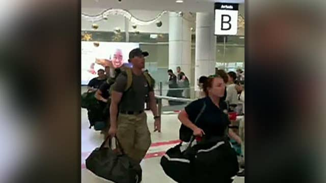 US firefighters cheered when arriving in Sydney