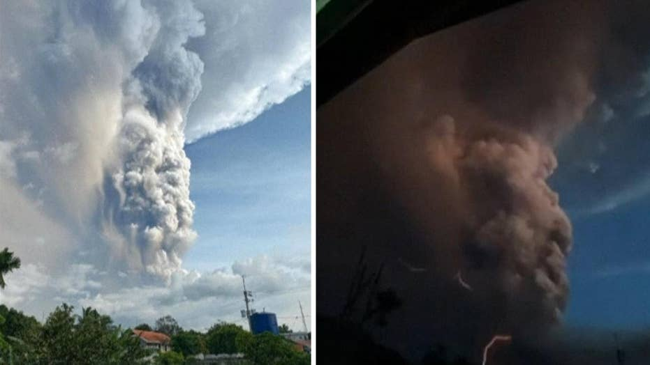 Rare volcanic lightning seen after eruption in Philippines