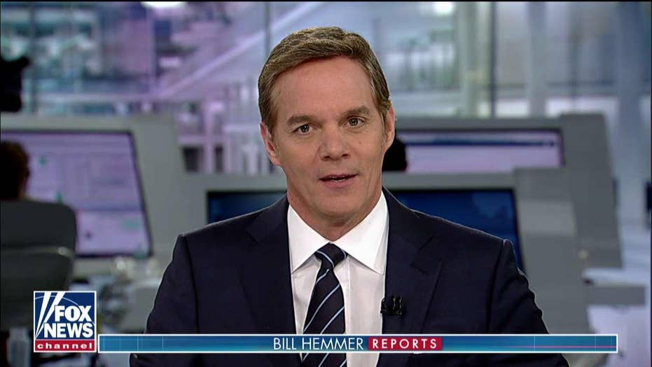 Bill Hemmer welcomes viewers to 'Bill Hemmer Reports'