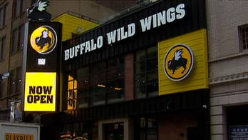 Buffalo Wild Wings promises to give away free wings during the Super Bowl