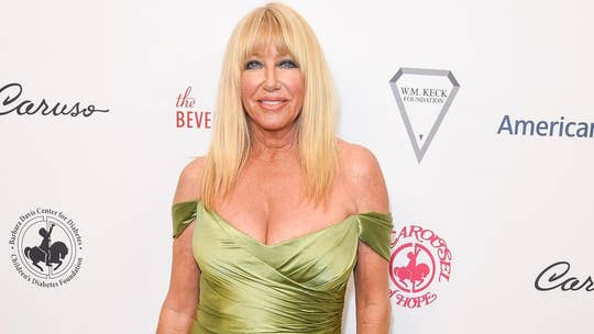 Suzanne Somers recalls her 鈥榗ontroversial鈥� topless 'birthday suit' photo: 鈥楾his is a new way to age鈥�