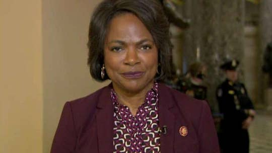 Rep. Demings calls actions by police officers in Floyd鈥檚 death 鈥榮tupid, heartless and reckless鈥�