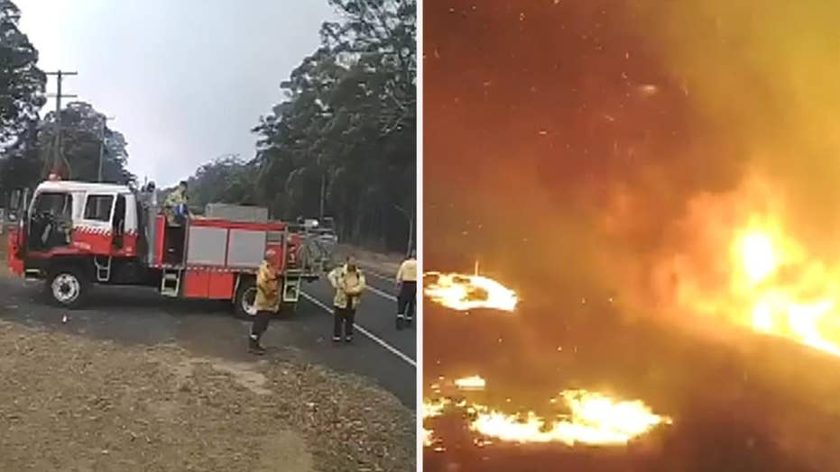Dramatic footage: Australian firefighters evacuate Shoalhaven as bushfires rapidly spread
