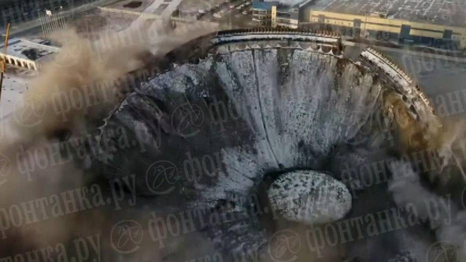 Warning, graphic video: Stadium collapse in Russia kills construction worker