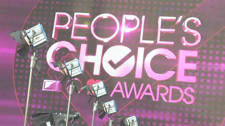 Fox News Latino at the People's Choice Awards Red Carpet.