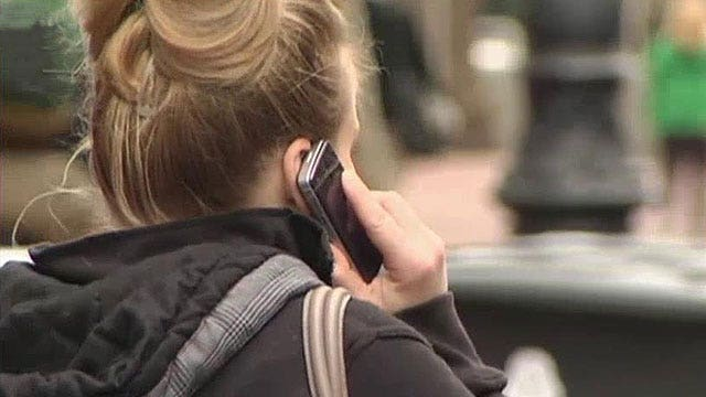 Feds capturing private info with cell tower 'simulators'?