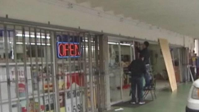 Across America: Crooks smash, grab ATM in Houston