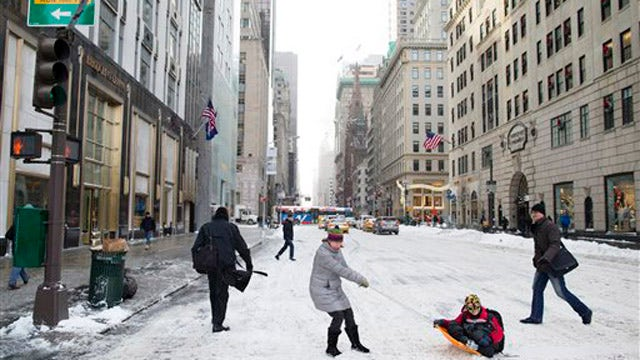 Northeast digs out from first snowstorm of 2014