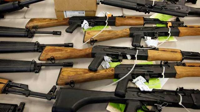 Judge rules Chicago ban on gun sales unconstitutional