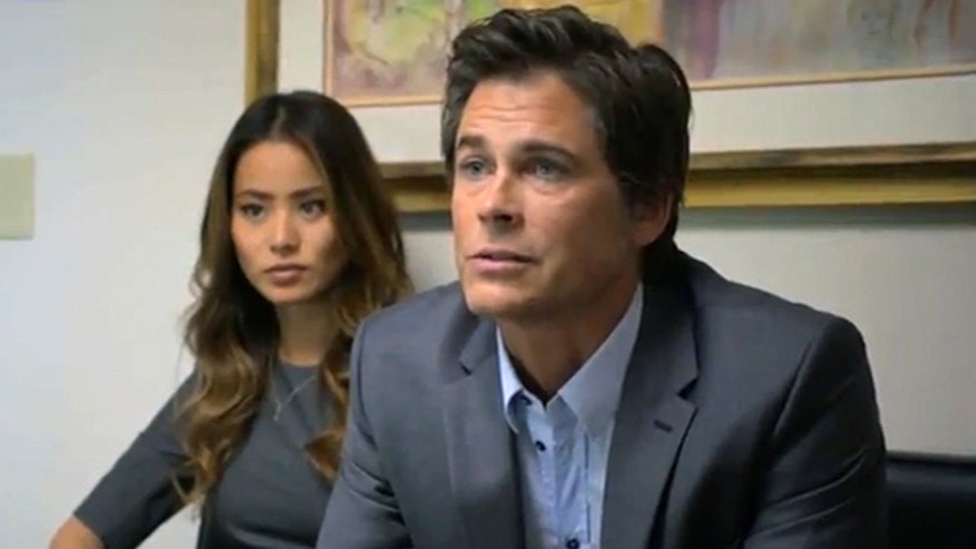 "Rob Lowe returns to Washington as the star of ""Knife Fight"" while ""American Horror Story: Asylum"" reaches its epic conclusion. Also, the SAG Awards!"