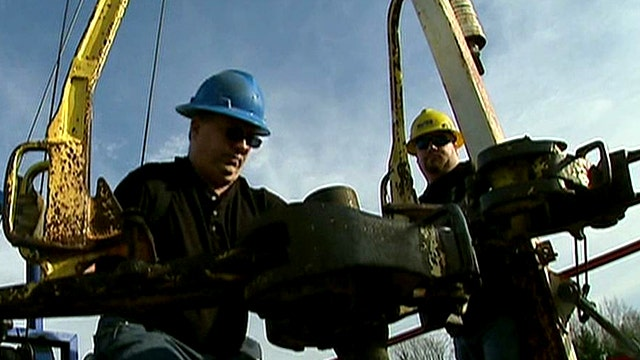 Shortage of workers for high-paying jobs in oil, gas field
