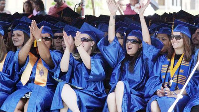 an overview of the drawbacks of community colleges for high school graduates Chapter 1 the educational system as 635 percent of high school graduates went on to find it harder to gain admission to high-ranked colleges and.