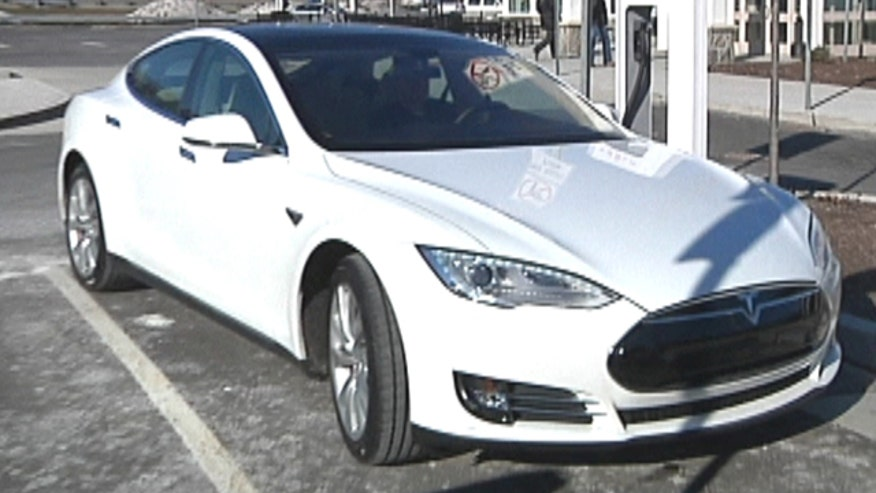 Fox Car Report drives the Tesla Model S electric luxury sedan.