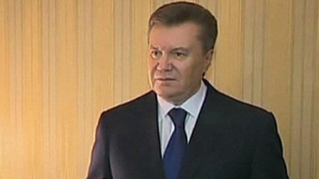 Ukraine president flees capital, calls it a coup