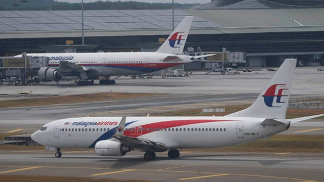 What could have happened inside the cockpit of Flight 370?