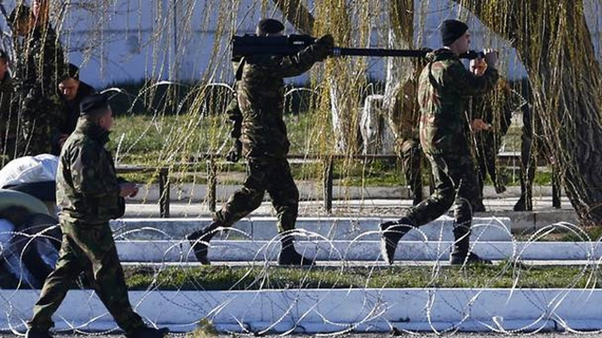 Russian troops amass along Ukraine boarder