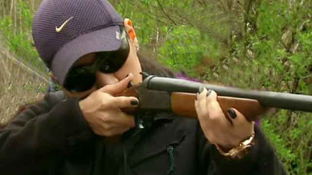 Experiment measures crime after free gun giveaway