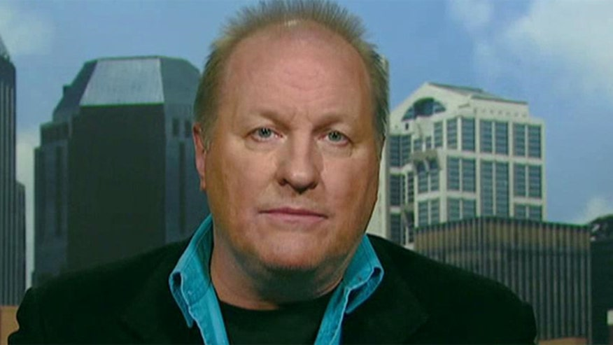 Country music artist Collin Raye sounds off