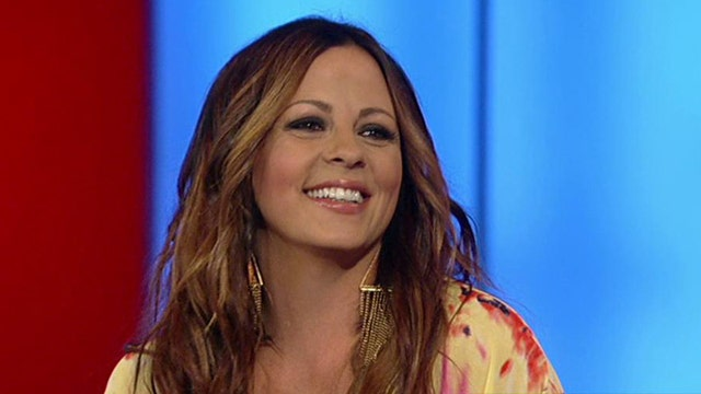 Sara Evans talks new album 'Slow Me Down'