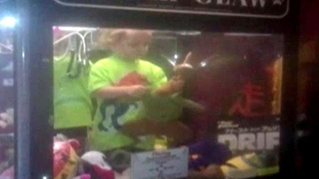 Grapevine: Toddler gets stuck inside claw game machine