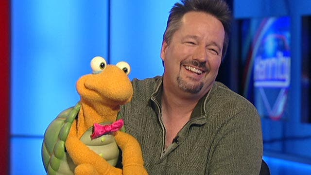 Sean Hannity chats with comedian Terry Fator