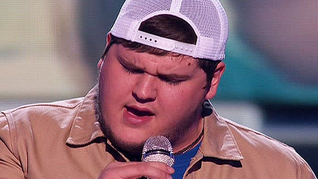 'Idol'  fans say goodbye to Dexter Roberts