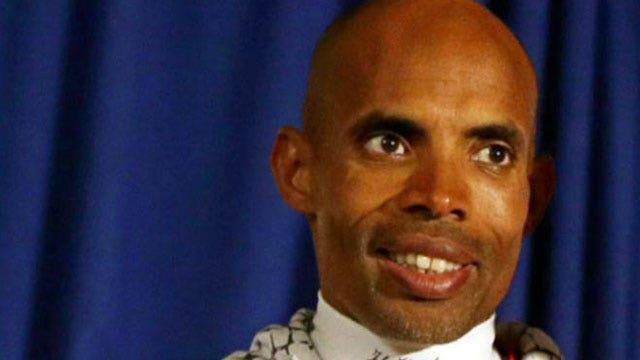 American runner wins Boston Marathon