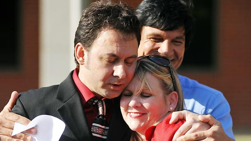 Elvis impersonator released from custody