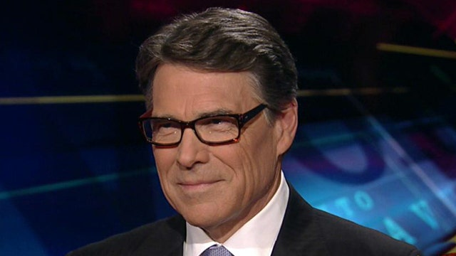 Perry rips 'out-of-control' federal government over Texas land dispute