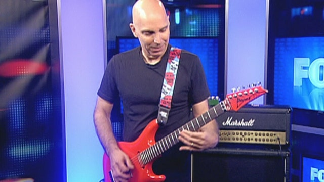 Joe Satriani: 'Satch Boogie' live