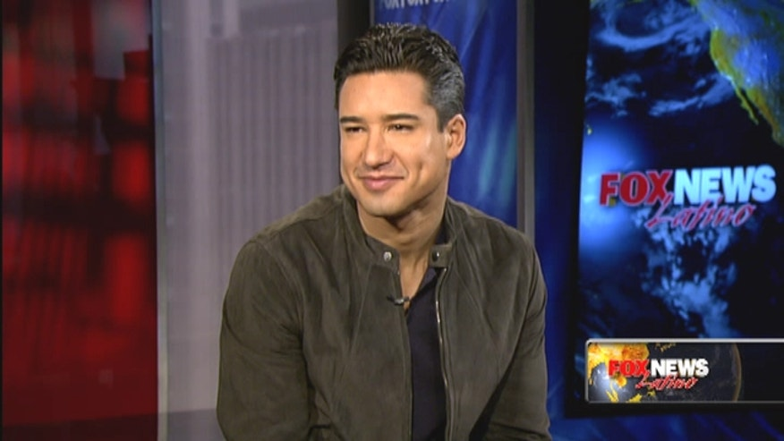 "Mario Lopez sits down with Fox News Latino to talk about ""Extra,"" his family and hair loss."