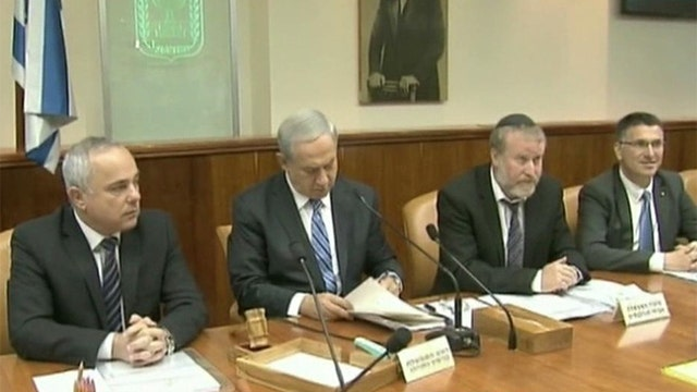 Israel suspends talks with Palestinians