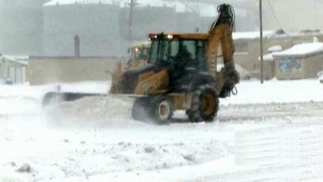 White House blaming economic downturn on weather?