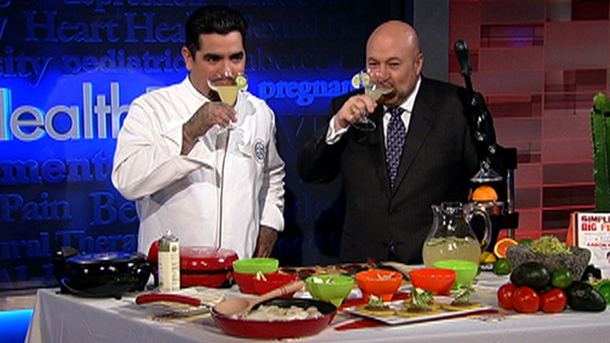 To help you enjoy your Cinco de Mayo fiesta, Food Network star and restaurateur Aarón Sánchez shares some of his favorite healthy Mexican recipes, including margaritas!