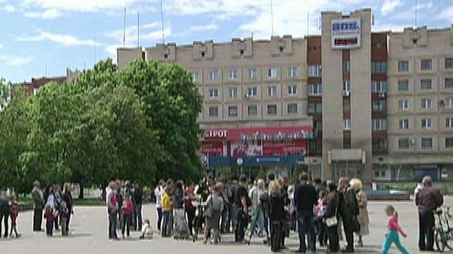 Pro-Russian insurgents prepare for autonomy vote