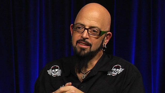 Jackson galaxy explains 39 cat mojo 39 latest news videos for Mojo jackson