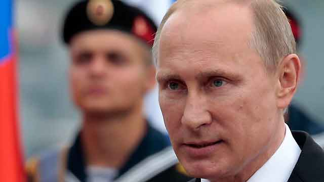 Deadly fighting continues as Putin celebrates in Crimea