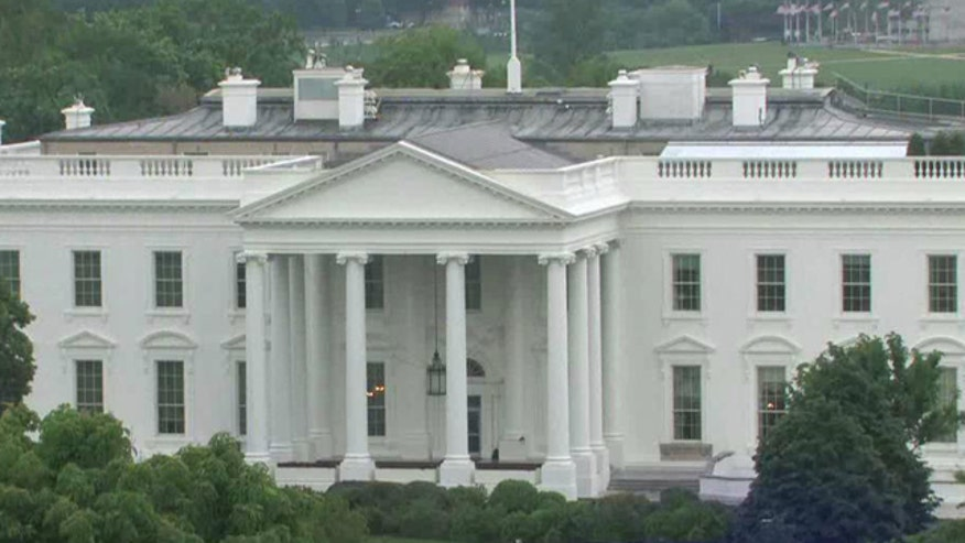 Smoke reported at White House
