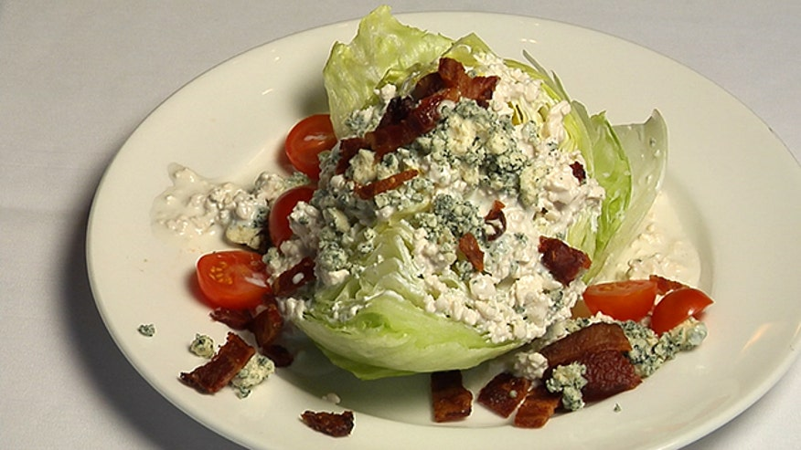 Del Frisco's shares step-by-step tips on how to make a perfect wedge salad.