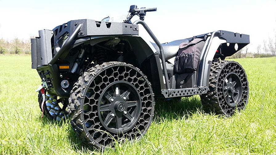 Fox Car Report drives the Polaris WV 850 H.O., the first ATV with the company's unique flat-proof non-pneumatic tires.