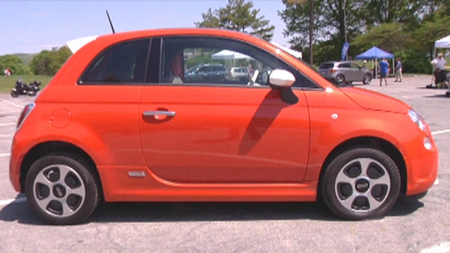 Fox Car Report drives the battery-powered 2013 Fiat 500e
