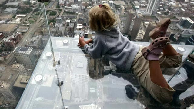 Grapevine: Willis Tower scare for one family