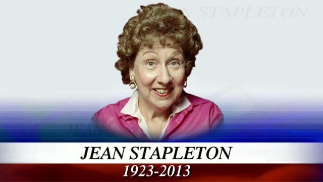 """Jean Stapleton, """"All in the Family""""'s Edith Bunker, dies"""