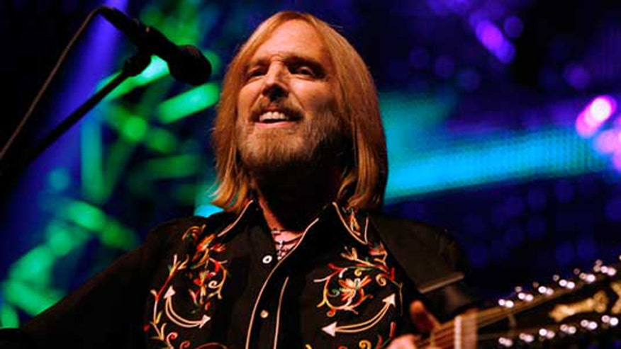 Tom Petty concert cut short over crowd concerns