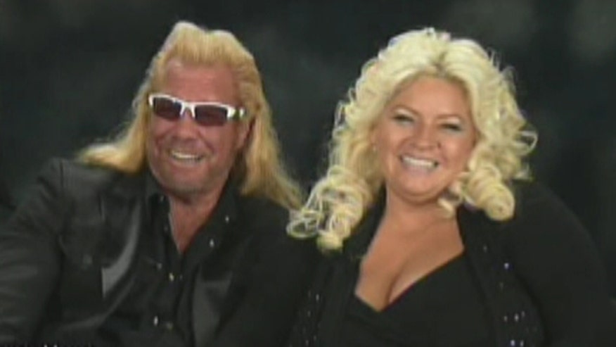'Dog' the Bounty Hunter and wife Beth hunt fugitives in CMT show 'Dog and Beth: On the Hunt'