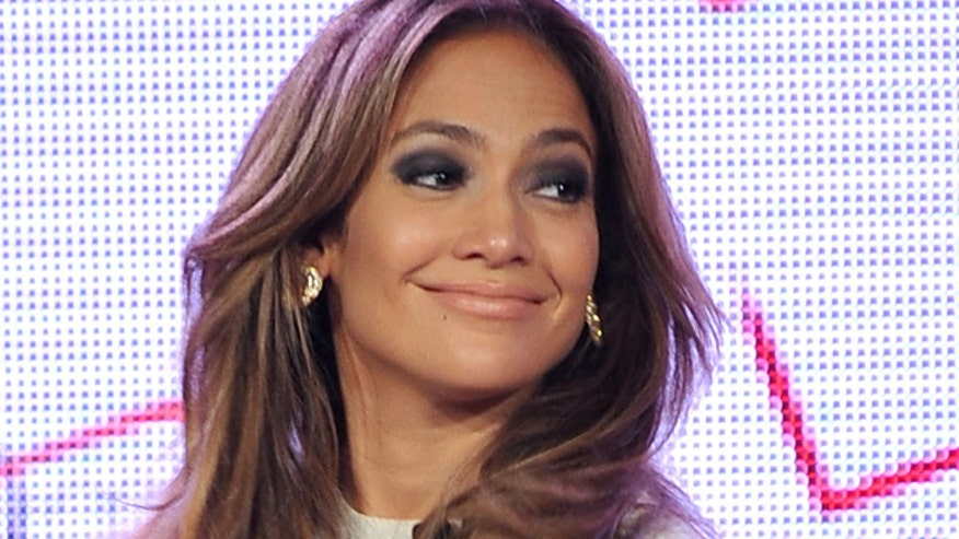 JLo put a live radio show on hold to take a 'very important' phone call.