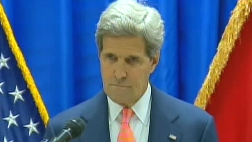 Secretary of state addresses media in Baghdad